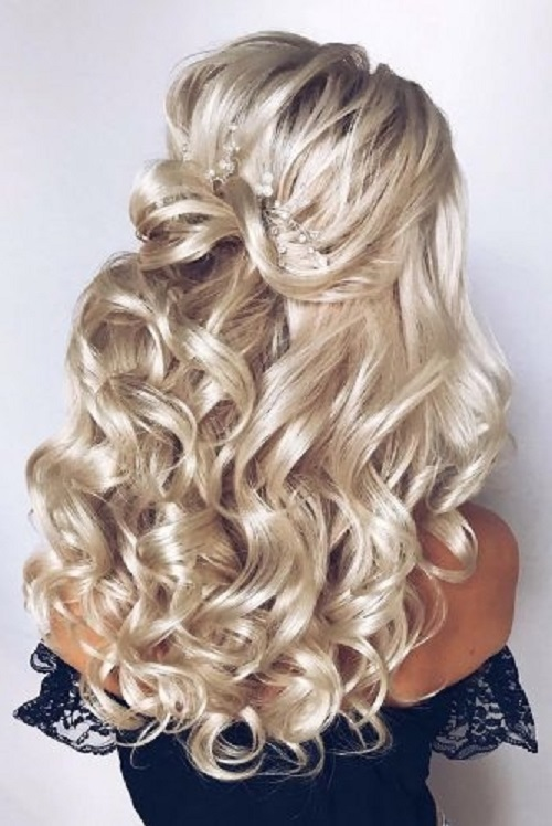Espectacular peinados de feria 2021 Fotos de cortes de pelo estilo - Peinados de novia 2021-Color, Peinado, Maquillaje y Vestido